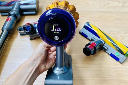 Dyson V15 Detect Absolute, análisis: más que un avanzado aspirador sin cable, es un arma letal contra la suciedad