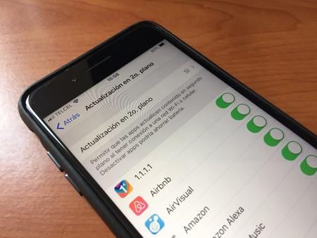 Algunas aplicaciones de iPhone utilizan 'trackers' para enviar nuestros datos a terceros sin que nos demos cuenta, según The Washington Post