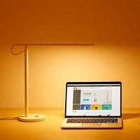 La lámpara de escritorio Xiaomi Mi LED Desk Lamp, controlable desde el móvil o con Alexa, está rebajada a 20 euros en Amazon