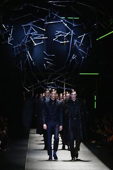 La Menswear AW15 de Versace presentada durante la Fashion Week de Milán