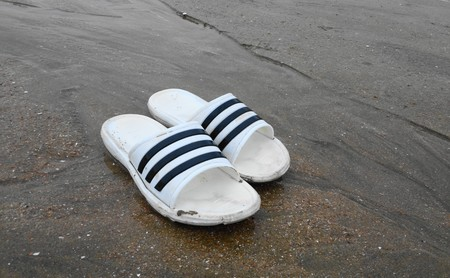 Nos preparamos para la ola de calor con las mejores ofertas en chanclas de marca en eBay y Amazon: Fila, Adidas o DC Shoes