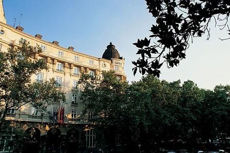 Hotelritz Facade 1