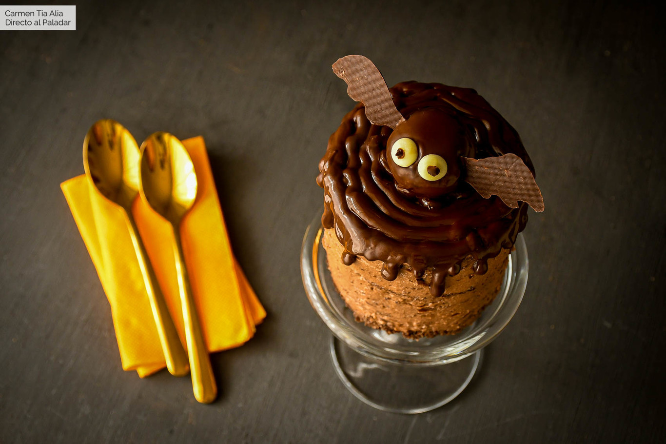 Tarta murciélago de chocolate, receta para Halloween
