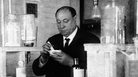 La increíble historia del químico que sentó las bases de la seguridad alimentaria envenenando a la gente