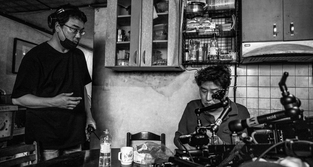 'Parasites': Bong Joon-ho talks about the flat end of his acclaimed film, which will have a version in black-and-white