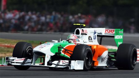 GP de Gran Bretaña 2010: Vitantonio Liuzzi pierde cinco posiciones por obstruir a Nico Hulkenberg