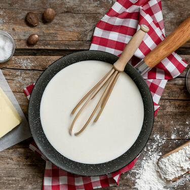 Todo lo que necesitas para preparar tu propia salsa bechamel en casa: recetas, utensilios y herramientas