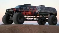 Esta locura de Monster Truck mide casi 10 metros, tiene 750 CV, caben 13 personas y... está a la venta