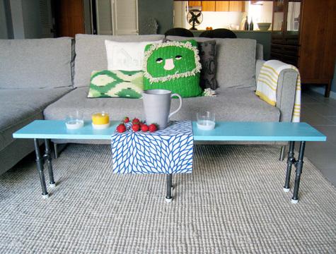 Foto de Una mesa auxiliar hecha con tuberías (2/7)