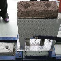 Politécnicos crean un fábrica portátil de ladrillos