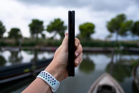 Samsung Galaxy Z Fold3 01 Profile 01