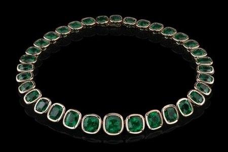 ngelina-Jolie-Exceptional-Emerald-Necklace-468x312.j
