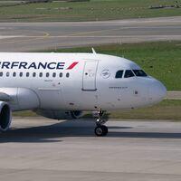 Francia aprueba una ley que prohibe los vuelos domésticos, para viajes que se pueden hacer en tren en menos de dos horas y media