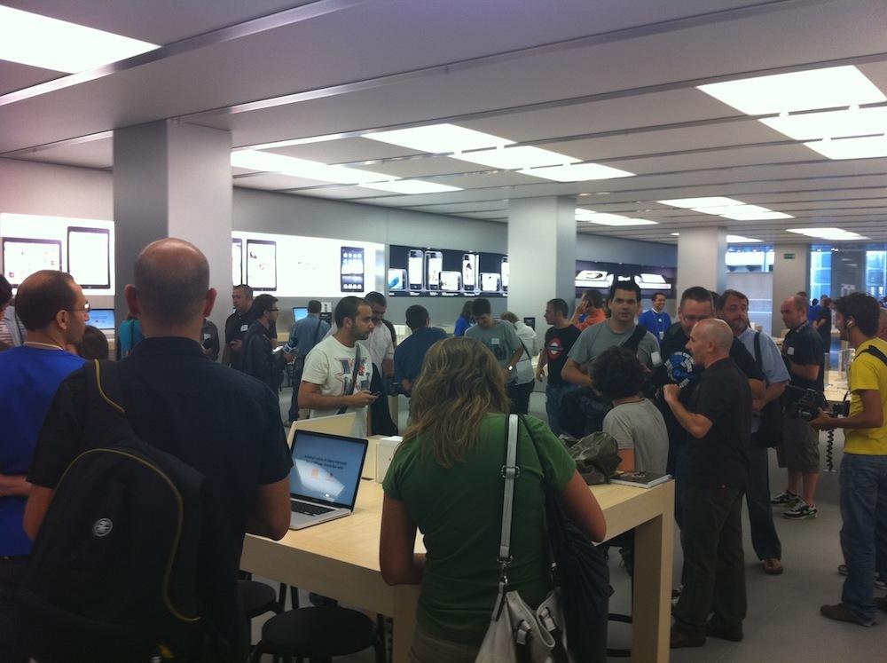 Foto de Inauguración Apple Store La Maquinista (22/93)