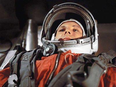 Con repelente para tiburones, 20 kilogramos de peso y muy cinematográfico: así fue el primer traje espacial