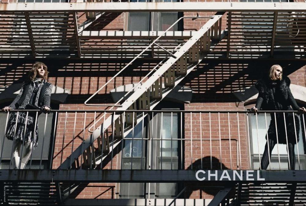Foto de Más imágenes de la campaña de Chanel Otoño-Invierno 2010/2011: esquimales en la ciudad (1/4)
