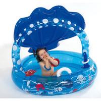 Refrescarse sin quemarse: piscina con toldo