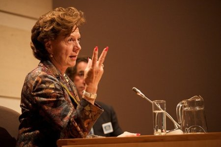 Neelie Kroes, comisaria europea para la Agenda Digital, enamorada de Estonia