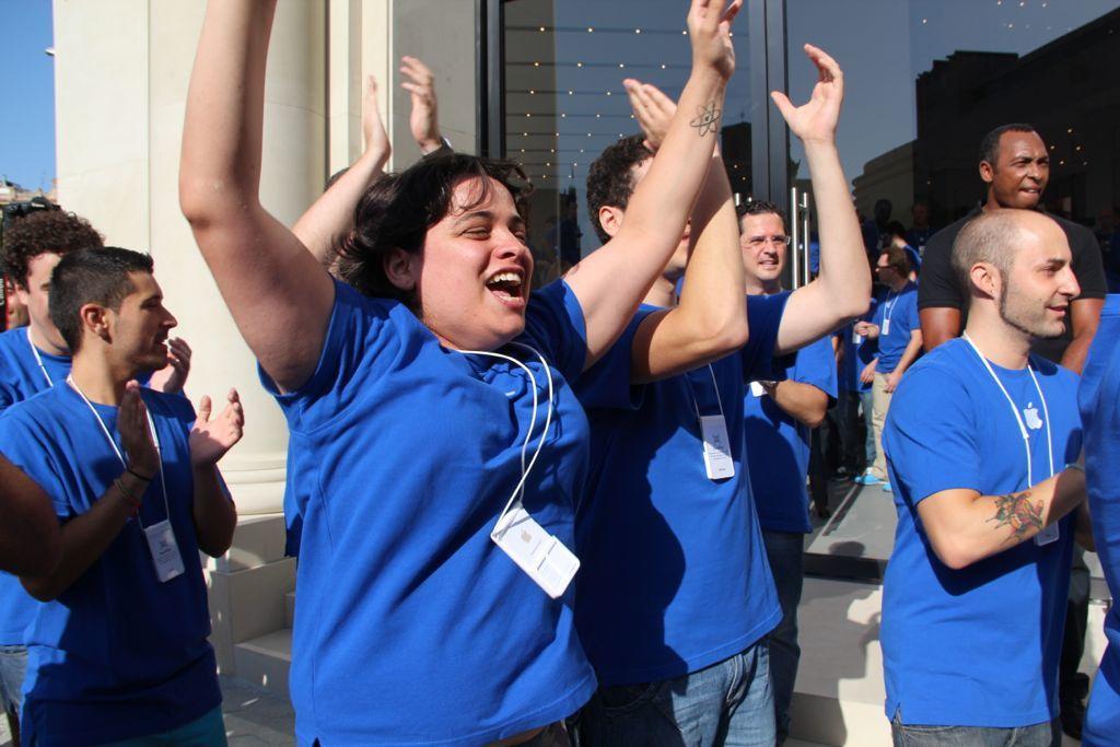 Foto de Inauguración de la Apple Store del paseo de Gracia (12/27)