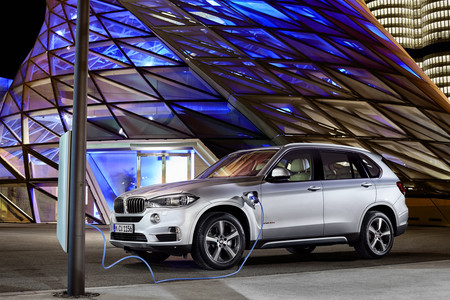 BMW X5 xDrive40e, híbrido enchufable