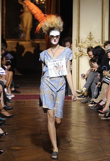 Foto de Vivienne Westwood Primavera-Verano 2010 en la Semana de la Moda de París (9/21)