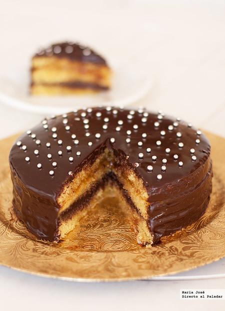 Cómo hacer un bizcocho de naranja y chocolate, la receta que os va a enamorar