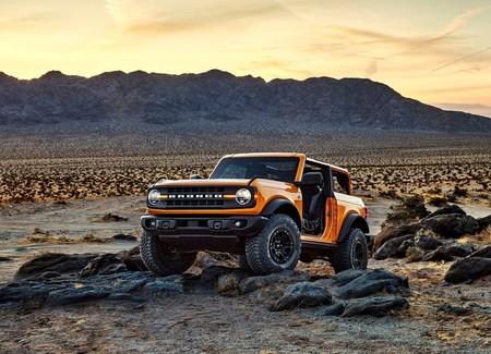 Ford Bronco 2 Door 2021 1600 03