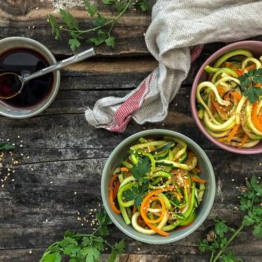Cómo hacer wok de fideos de calabacín con verduras, receta vegana fácil y deliciosa de Marie Lafôret