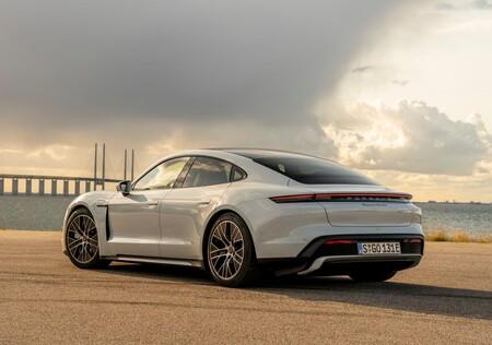 Porsche Taycan Turbo 2020 1280 28