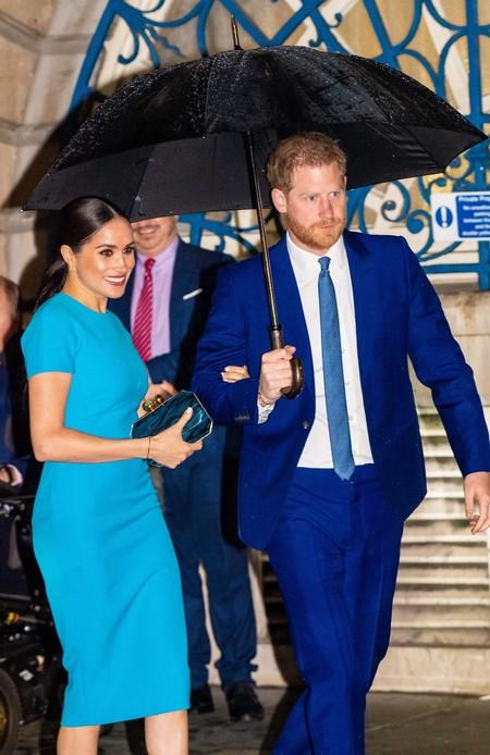 Aunque esté fuera de la familia real, Harry sigue siendo un príncipe azul: así ha sido su reaparición junto a Meghan Markle