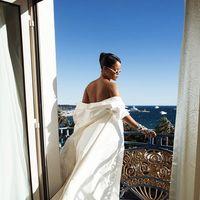 Rihanna inaugura el verano... ¡dándose el filete en España!