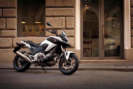 Motorpasión a dos ruedas: Honda NC700X y Husqvarna Strada, apuestas por la polivalencia