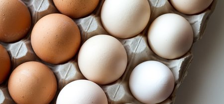 Lidl es la primera cadena de España que deja de vender huevos de gallinas enjauladas