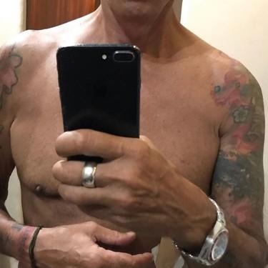 Kiko Matamoros y su nueva normalidad: El King Kong de Telecinco se ha quedado como la pantorrilla de un canario
