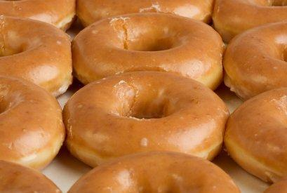 Concurso de comer donuts en Castellbisbal