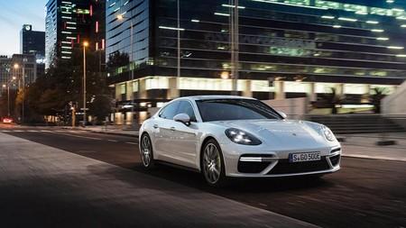 Porsche Panamera Turbo S E-Hybrid, con 680 CV y a 100 en 3,4 segundos: ¡más rápido que un 911 Carrera GTS!