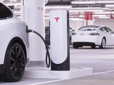 Ya está en marcha la mayor estación de Supercargadores de Tesla: está en Shanghái, bajo un centro comercial