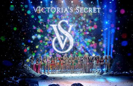 Este desfile de Victoria's Secret fue un poco menos <em>secret</em>... ¡Los ángeles también tuitean!