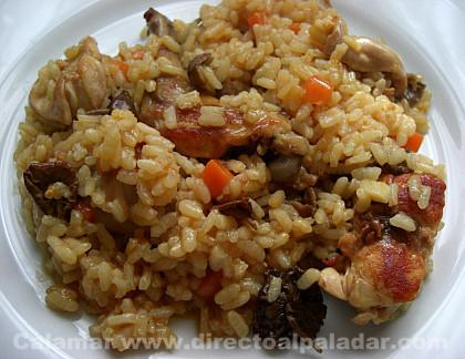 Cazuela de arroz con conejo. Receta de otoño