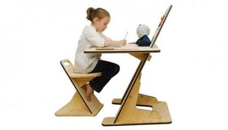 AZdesk, escritorio para niños con una divertida pizarra magnética