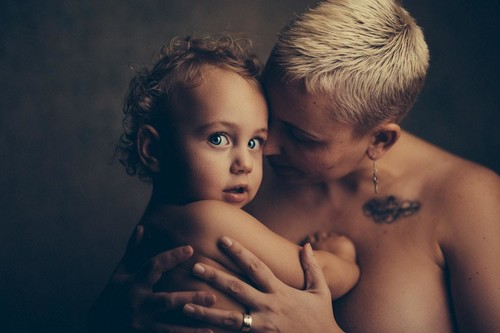 """""""Celebrando mi postparto"""", el movimiento en Instagram donde las madres admiran sus cuerpos"""