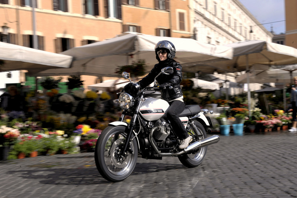 Foto de Moto Guzzi V7 Classic (31/42)