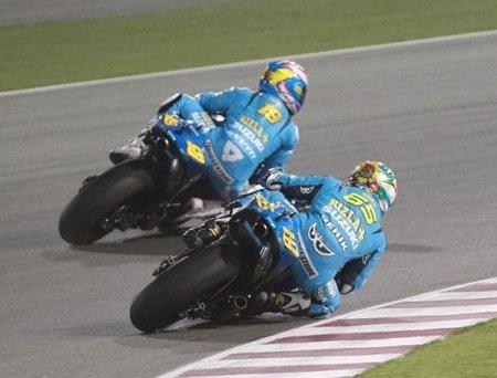 MotoGP Qatar 2010: el Rizla Suzuki celebró el GP 300 de Capirossi y el estreno de Bautista