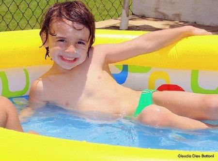 La foto de tu bebé: Giovanni en la piscina