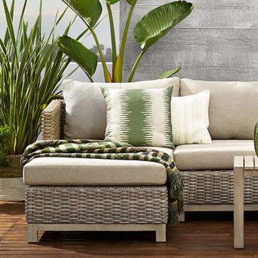 Viste la terraza con las últimas tendencias en textiles para verano 2019