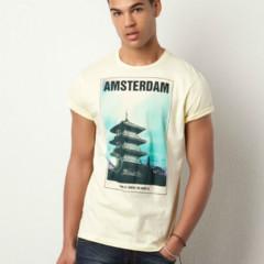 Foto 11 de 13 de la galería atentos-a-las-camisetas-de-estilo-souvenir en Trendencias Hombre