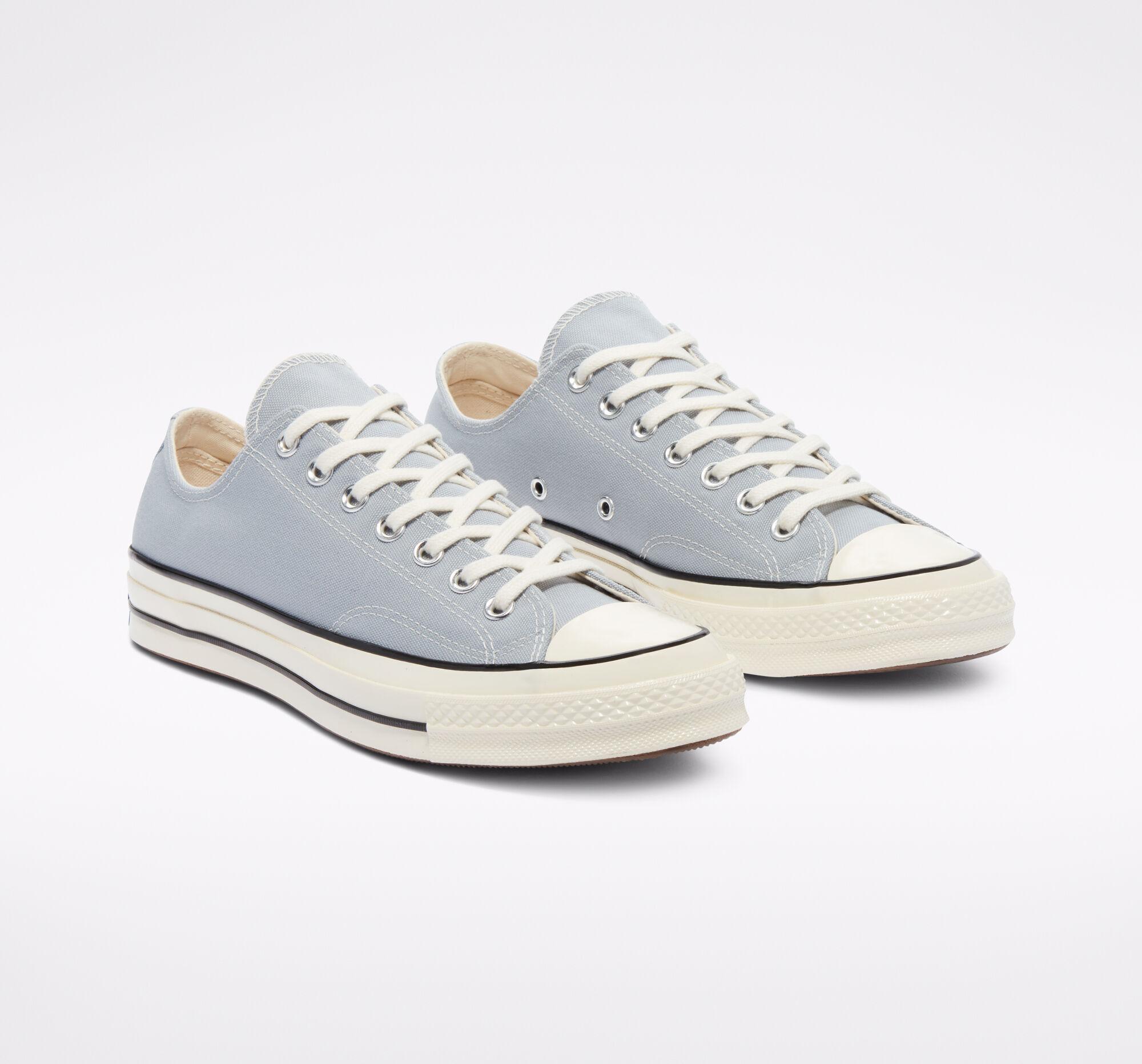 Zapatillas de corte bajo en azul pastel