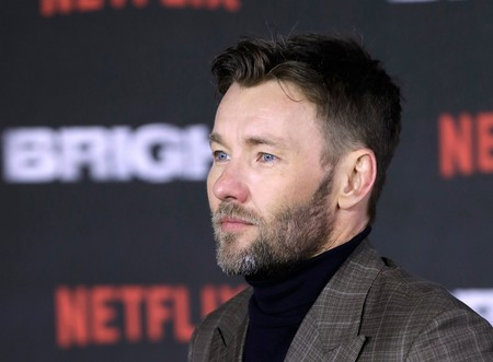 Joel Edgerton y su look de colores dispares que no nos termina de convencer en la premiere de 'Bright'