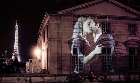 Nos enamoraremos de París (de nuevo) viendo sus calles llenas de besos y luz