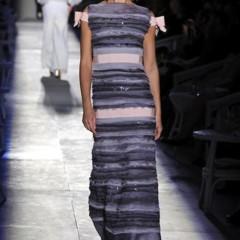 Foto 50 de 61 de la galería chanel-alta-costura-otono-invierno-2012-2013-rosa-gris-brillos-y-nuevo-vintage en Trendencias